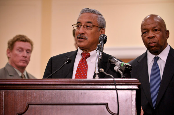 Rep. Bobby Scott presents a plan for a national security center to standardize how University's respond to crime on their campuses.