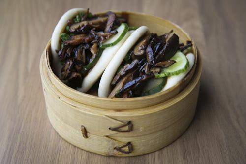 Dish Of The Week Momofuku S Shiitake Buns The Gw Hatchet