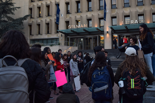Students gathered in Kogan plaza before marching to the White House Thursday. Elizabeth Rickert | Hatchet Photographer