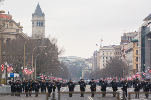 Metropolitan Police Department officers march in the inaugural parade Friday afternoon. Sam Hardgrove | Assistant Photo Editor