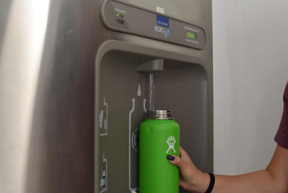 Freshmen receive reusable water bottles to reduce plastic